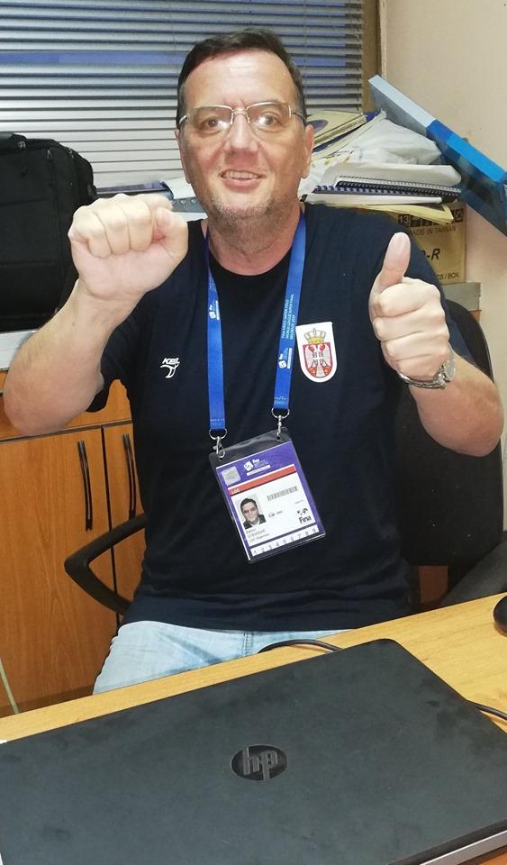 Dejan Stevović – BRAVO DELFINI