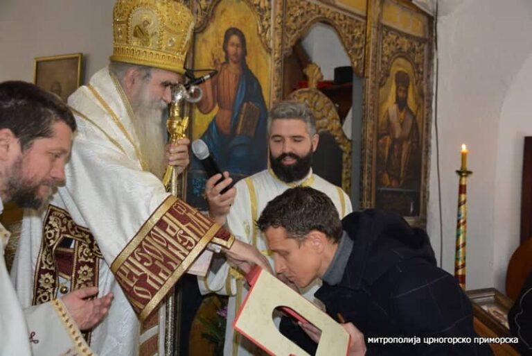 Dejan Stevović – VERUJEM, NE VERUJEM